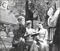 'The Seagull' - authoress Luise Rainer visits the set and chats to Tatiana Lieven and Jeanne de Casalis.